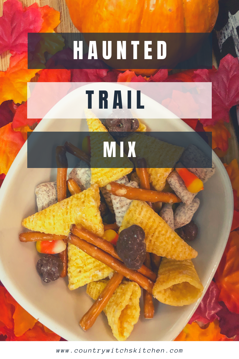 This Halloween snack mix is the perfect treat to take on all of your fall adventures #snackmix #trailmix #Halloweensnack