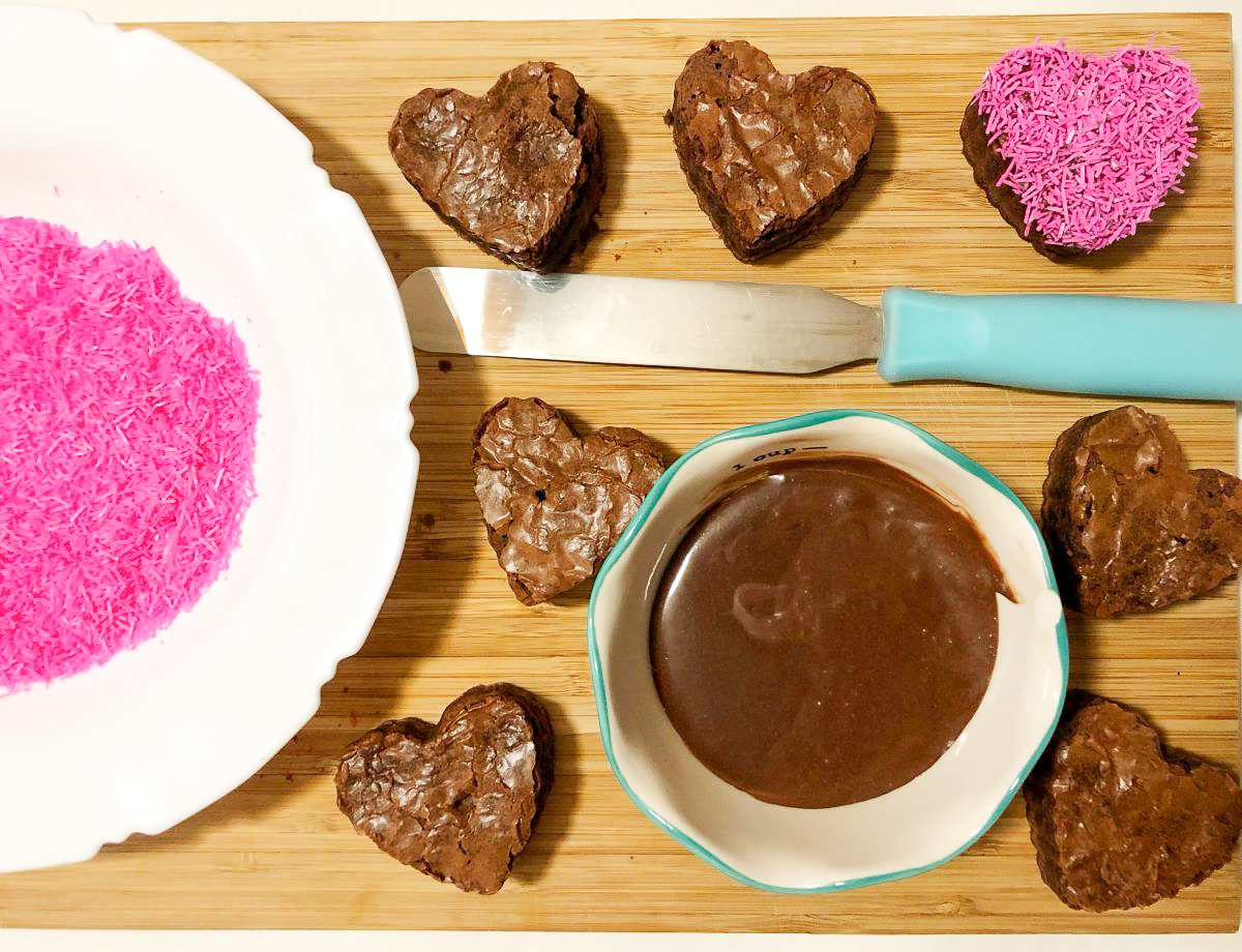 icing heart shaped brownies